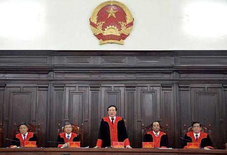 Hoi dong Tham phan TANDTC: Su dung ao choang trong cac phien hop giam doc tham, tai tham - Anh 1