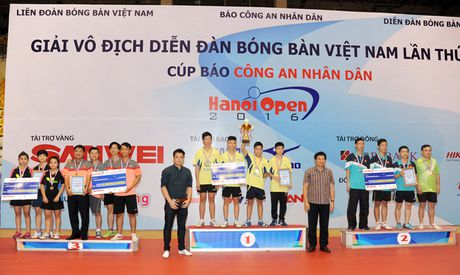 Be mac giai vo dich Dien dan bong ban Viet Nam tranh Cup Bao CAND lan thu 10 - Anh 8