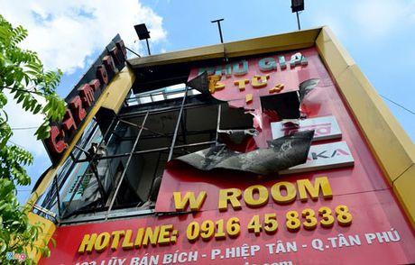 Bien quang cao bit kin quan karaoke, cua hang o Sai Gon - Anh 13