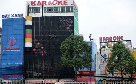 Bien quang cao bit kin quan karaoke, cua hang o Sai Gon - Anh 4