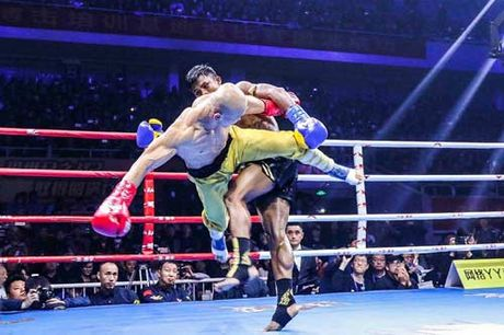 """Bao Thai, Trung Quoc: Yilong thang """"ban"""", Buakaw bi """"dinh don"""" - Anh 6"""