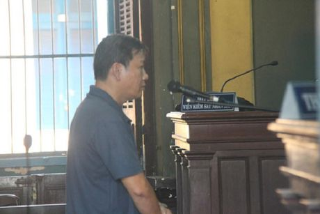 Nguyen ke toan truong Buu dien Cho Lon tham o 2,2 ti dong - Anh 1