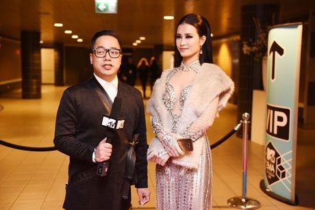 Dong Nhi tu tin noi tieng Anh 'an mung' giai Best Southeast Asia Act - Anh 6