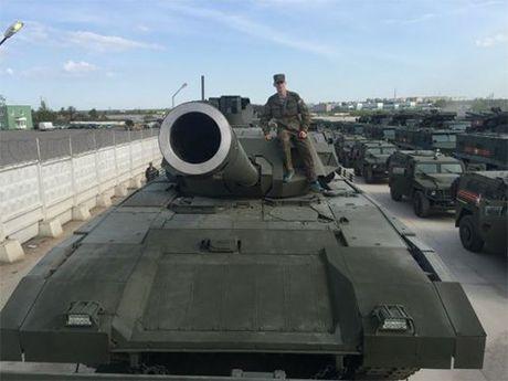 Tinh bao Anh danh gia cao xe tang T-14 Armata cua Nga - Anh 2