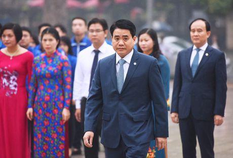 Lanh dao Ha Noi dat vong hoa tuong niem tai tuong dai Le Nin - Anh 1