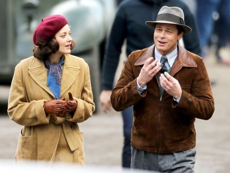 Brad Pitt khong quang ba phim tinh cam moi vi lum xum ly di - Anh 1