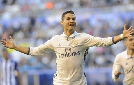 Gia han voi Real, Ronaldo huong toi cot moc 500 ban - Anh 1
