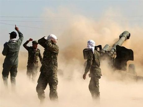Xung dot bung phat du doi tai khu vuc IS kiem soat o Raqqa, Syria - Anh 1