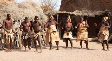 Namibia, tieng goi noi hoang da - Anh 15