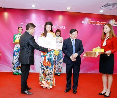 Hoa hau Do My Linh nhan hoc bong tieng Anh sau dang quang - Anh 4