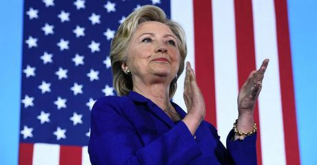FBI ra ket luan, khep lai vu dieu tra be boi email ca nhan cua ba Clinton - Anh 1