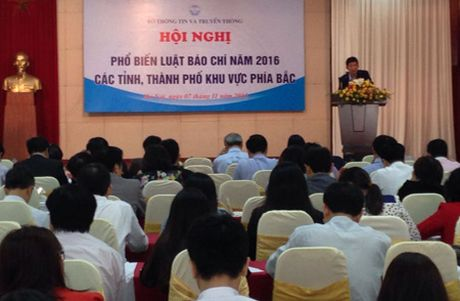 Bo TT&TT pho bien Luat Bao chi 2016 - Anh 1
