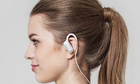 Xiaomi gioi thieu tai in-ear Mi Sport Bluetooth gia re - Anh 1