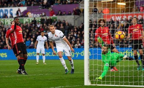 Rooney tro lai an tuong, Man Utd cat dut chuoi 4 tran khong thang - Anh 2