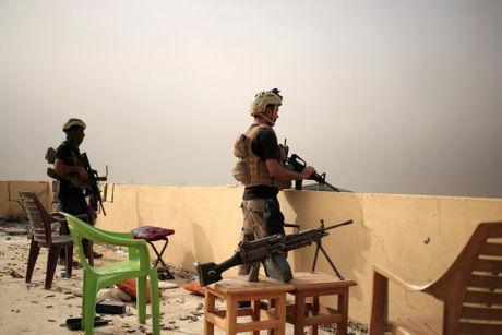 Giao tranh ac liet o tuyen dau 'chao lua' Mosul - Anh 6
