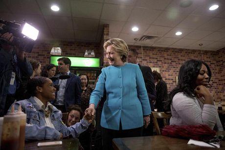 FBI 'minh oan' cho ba Clinton, dang Cong hoa phan ung gay gat - Anh 1