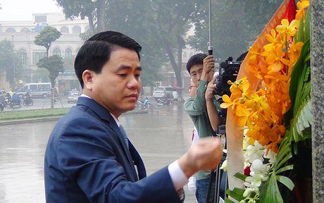 Lanh dao Ha Noi dang hoa tuong niem tai Tuong dai Lenin - Anh 3