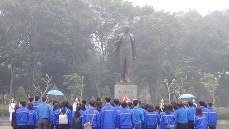Lanh dao Ha Noi dang hoa tuong niem tai Tuong dai Lenin - Anh 5