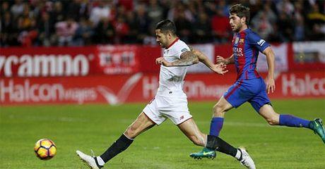 Messi ghi ban va kien tao, Barca thang tren san khach - Anh 2