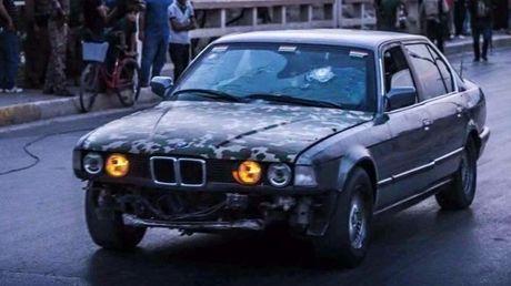 BMW chong dan lam xe cuu thuong trong vu tan cong cua ISIS - Anh 1