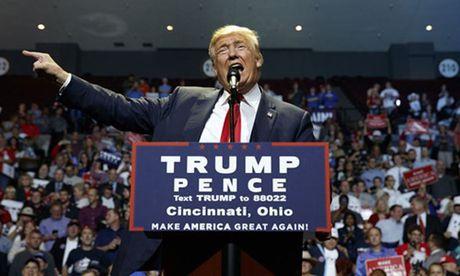 Donald Trump va chieu nuoc rut kich tinh - Anh 1