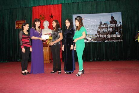 Chi Hoi Phu Nu Nguoi Viet tai Lien Bang Nga trao qua cuu tro - Anh 7