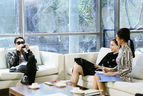 Goi ten dan khach moi 'khung' dong loat xuat hien trong phim ngan cua Ha Ho - Anh 10