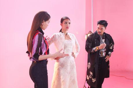 Goi ten dan khach moi 'khung' dong loat xuat hien trong phim ngan cua Ha Ho - Anh 2