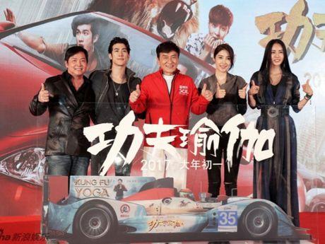 Hang chuc sieu xe bi pha huy de quay phim moi cua Thanh Long - Anh 1
