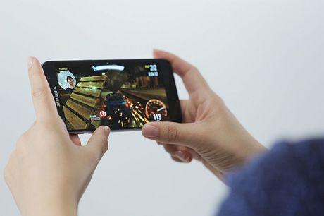 Samsung dua tri tue nhan tao vao Galaxy S8 - Anh 1
