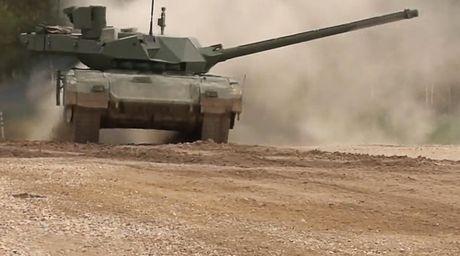 Anh lo so truoc xe tang 'khung' Armata cua Nga - Anh 1