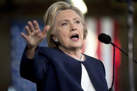 Ba Clinton duoc FBI 'giai oan' ngay truoc ngay bau cu - Anh 1