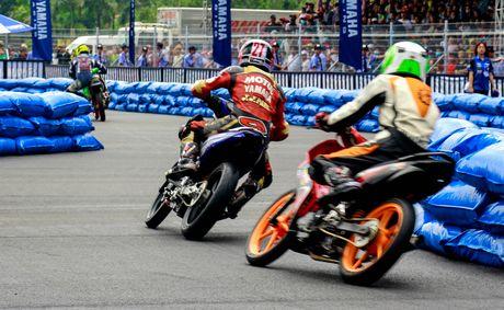 Yamaha lan dau to chuc dua xe Exciter 150 - Anh 6