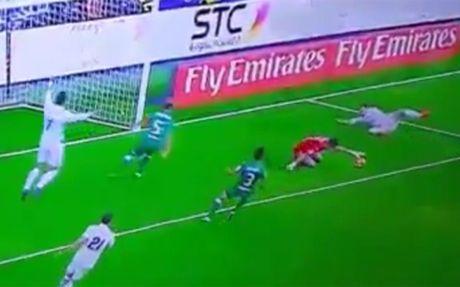 Het quo trach, Ronaldo tiep tuc chui the - Anh 1