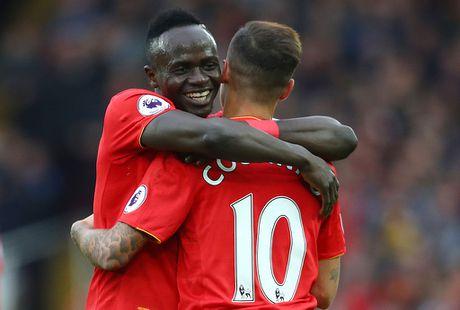 Ibra, Pogba vao doi hinh hay nhat vong 11 Premier League - Anh 11