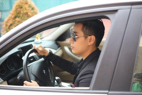 MC Nguyen Khang tu lai xe hop den quay hinh Sing My Song - Anh 1