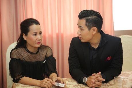 MC Nguyen Khang tu lai xe hop den quay hinh Sing My Song - Anh 3