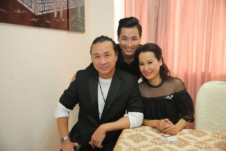 MC Nguyen Khang tu lai xe hop den quay hinh Sing My Song - Anh 4