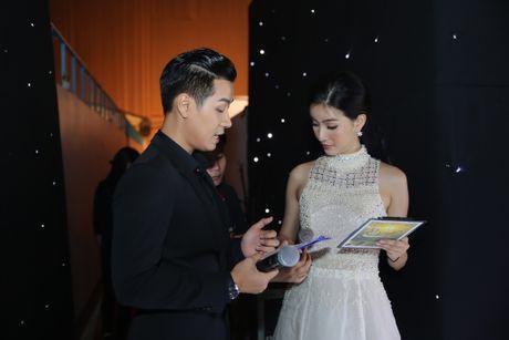 MC Nguyen Khang tu lai xe hop den quay hinh Sing My Song - Anh 5