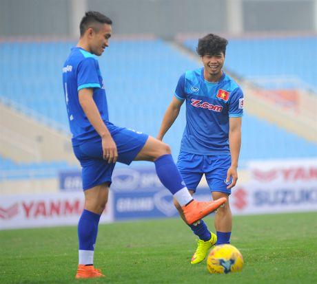 Tuyen thu Indonesia dua cot voi fan nu Viet Nam - Anh 3