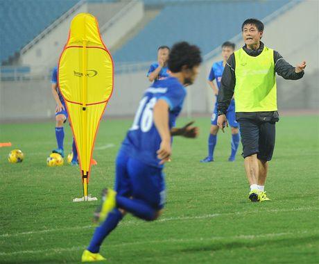 Tuyen thu Indonesia dua cot voi fan nu Viet Nam - Anh 6