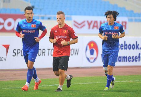 Tuyen thu Indonesia dua cot voi fan nu Viet Nam - Anh 8