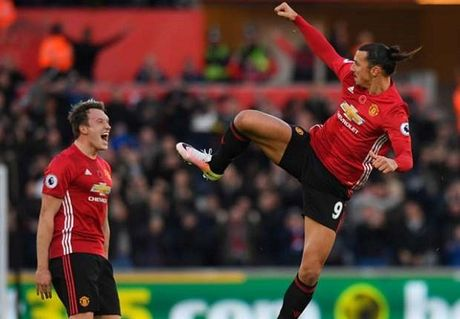 Choi tho bao, Ibrahimovic lo dai chien voi Arsenal - Anh 1