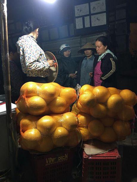 Buoi la vang bong: Hang Tau day... - Anh 1