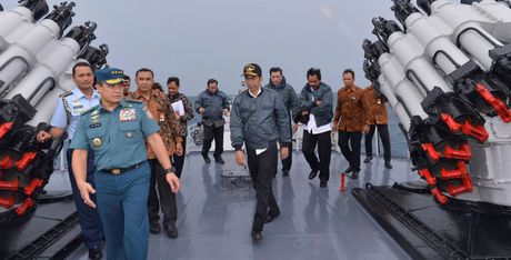 Indonesia tang cuong vu trang de phong tranh chap tren Bien Dong - Anh 1