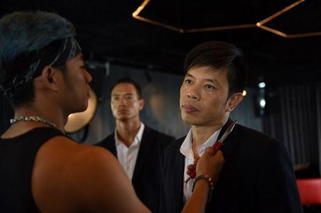 He lo loat canh phim hanh dong dau tien cua Thai Hoa - Anh 5