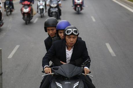 He lo loat canh phim hanh dong dau tien cua Thai Hoa - Anh 9