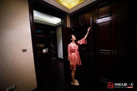 Hot girl 'ngu thu' trong biet thu, nhan luong hon 60 trieu/thang - Anh 9