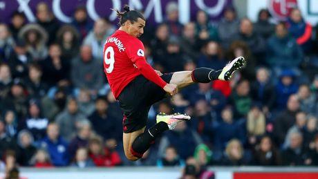 Cham diem Swansea 1-3 MU: Ibrahimovic va Pogba 'ruc sang' - Anh 11