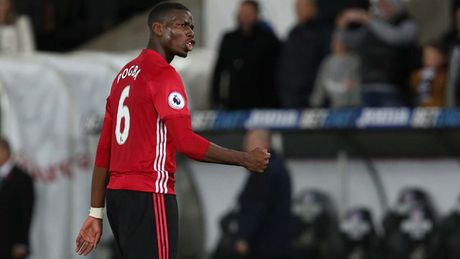 Cham diem Swansea 1-3 MU: Ibrahimovic va Pogba 'ruc sang' - Anh 9